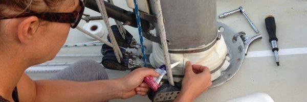 Lekkage langs de mast voorkomen